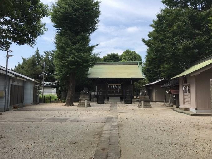 三ツ和氷川神社境内