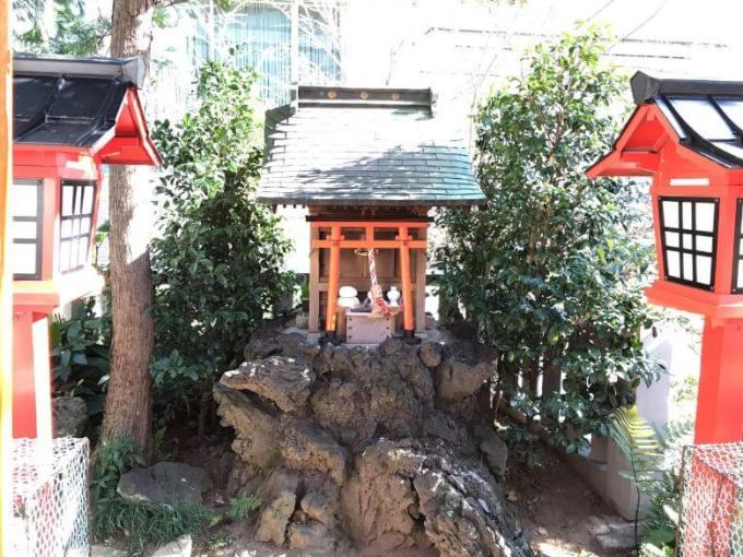 六本木天祖神社満福稲荷神社お社
