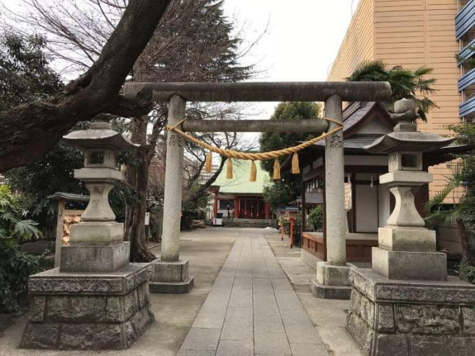 氷川鍬神社鳥居