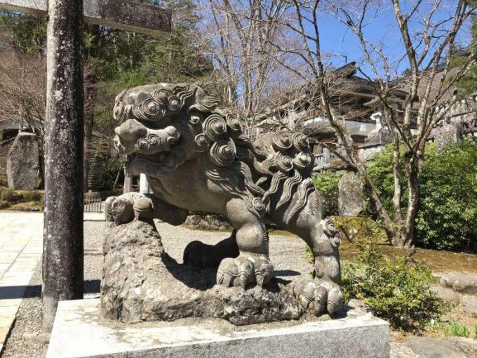古峯神社狛犬右3