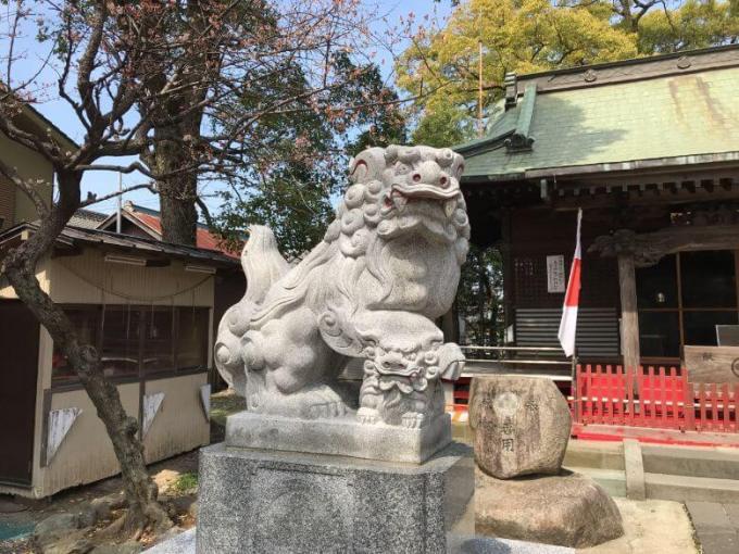 芳川神社狛犬左