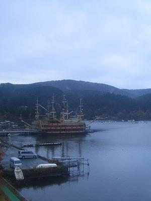 ホテルから見た海賊船ビクトリー号