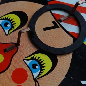 Clown hoopla game
