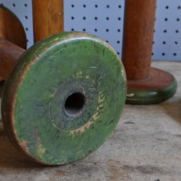 Large mill cotton reels