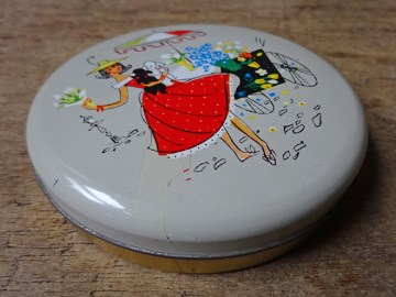 Vintage flower seller tin | H is for Home