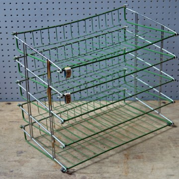 green wire desk tray