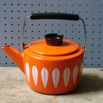 Vintage orange Cathrineholm kettle | H is for Home