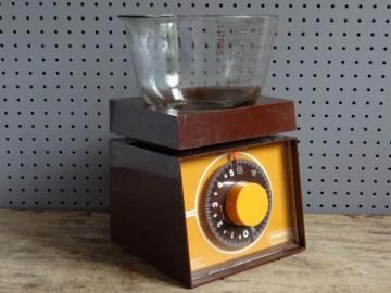 Pyrex kitchen scales