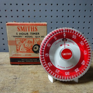 Red vintage Smiths 5-hour timer | H is for Home