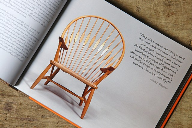 JH550 Peacock Chair designed by Hans Wegner