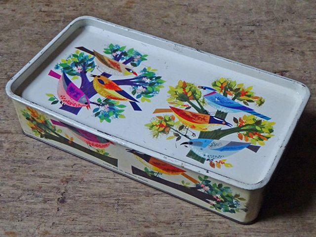 Vintage Cadburys Bournville birds tin | H is for Home