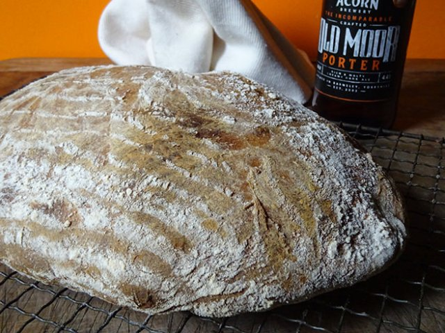 Home-made sourdough beer loaf with bottle of Old Moor porter | H is for Home #sourdough #realbread #recipe