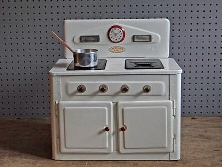 Vintage Amersham toy cooker