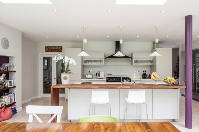 White contemporary kitchen diner