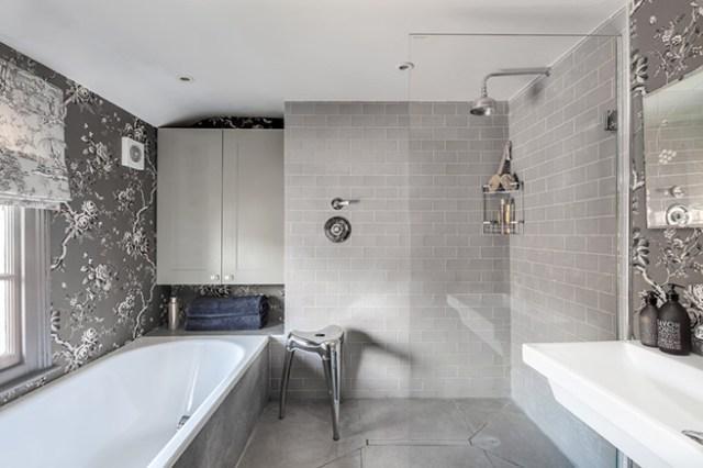 Elegant monochrome bathroom