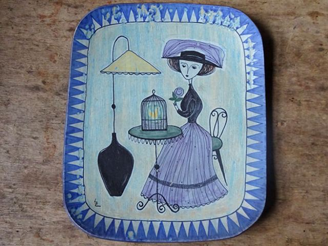 Vintage platter with hand-painted gentlewoman illustration by Laila Zink for Finnish manufacturer Kupittaan Savi | H is for Home