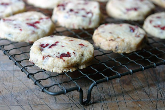 Home-made macadamia nut & cranberry cookies | H is for Home