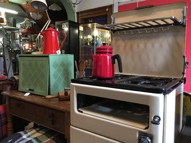 Vintage New World gas cooker 1430 series | H is for Home
