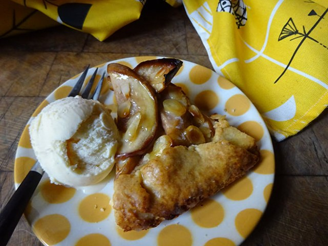 Home-made pear galette with ice cream   H is for Home #recipe #baking #cooking #cookery #dessert #pastry