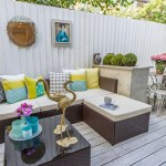Get their look: Sociable patio space