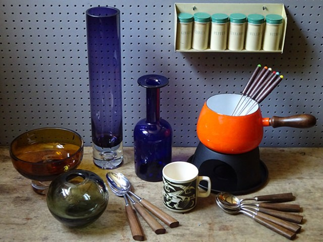 Collection of vintage homewares