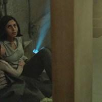 """Przez dziurę w ścianie. [""""Under the Shadow"""", 2016]"""