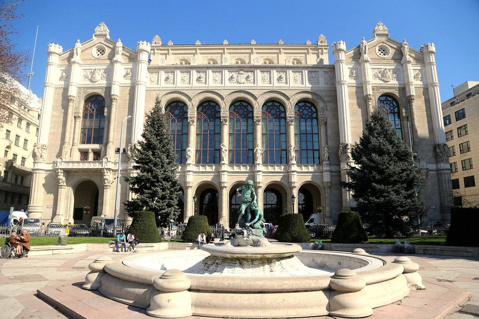Klassische Architektur in Ungarn – HiSoUR Kunst Kultur Ausstellung