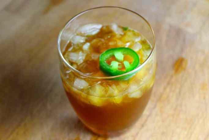 margarita, trago, vaso corto, cocteles de otoño, margarita de jalapeño y cilantro