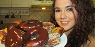 homemade donuts, Donas caseras glaseadas, chocolate y azucar