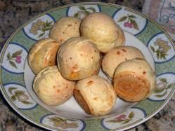 Pães de Queijo ~ Cheese Balls