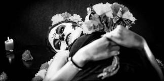 Cruzando líneas: la agonía de vivir, por maritza félix