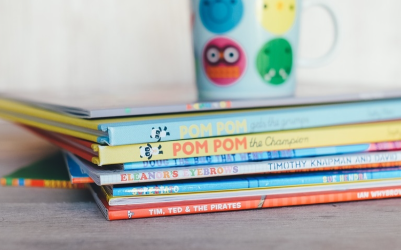 Celebrate Reading with 9 Dr. Seuss's Books in Spanish