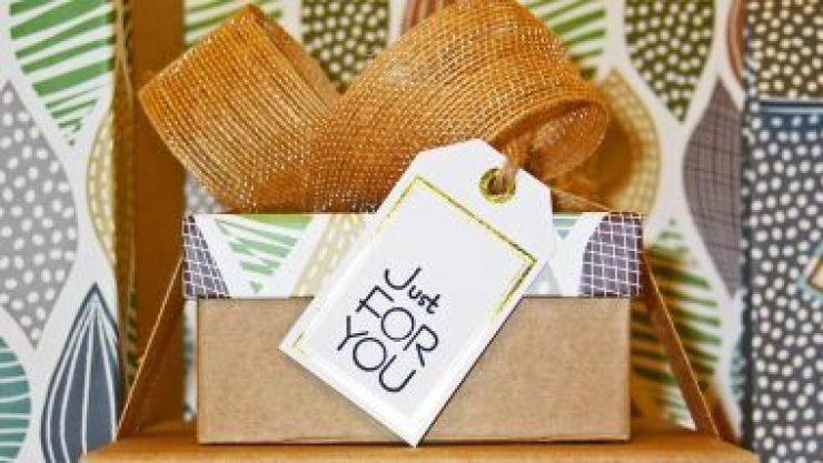 Christmas & New Year DIY Gift Ideas: अपने हाथों से बने उपहार देकर बाटें क्रिसमस और नए साल की खुशियां, देखें 5 बेस्ट होममेड गिफ्ट आइडियाज