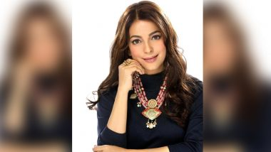 During the hearing in the court, Juhi Chawla's fan showed such love, the judge got furious