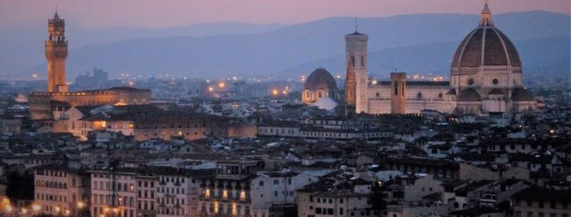 photo montrant le skyline de la ville de Florence au coucher du soleil