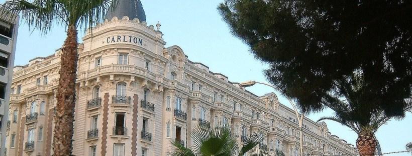 photo de la façade de l'hôtel Carlton à Cannes