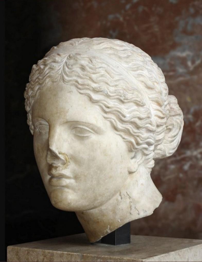 Aphrodite de cnide-copie-romaine-Louvre tête