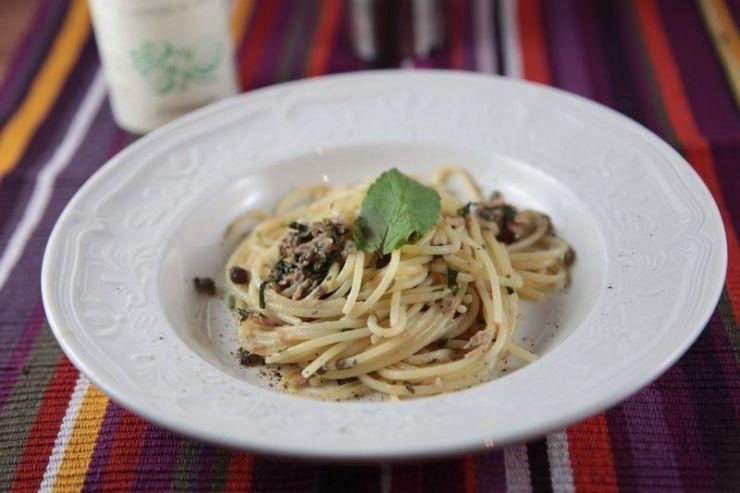 spaghetti au thon et aux câpres