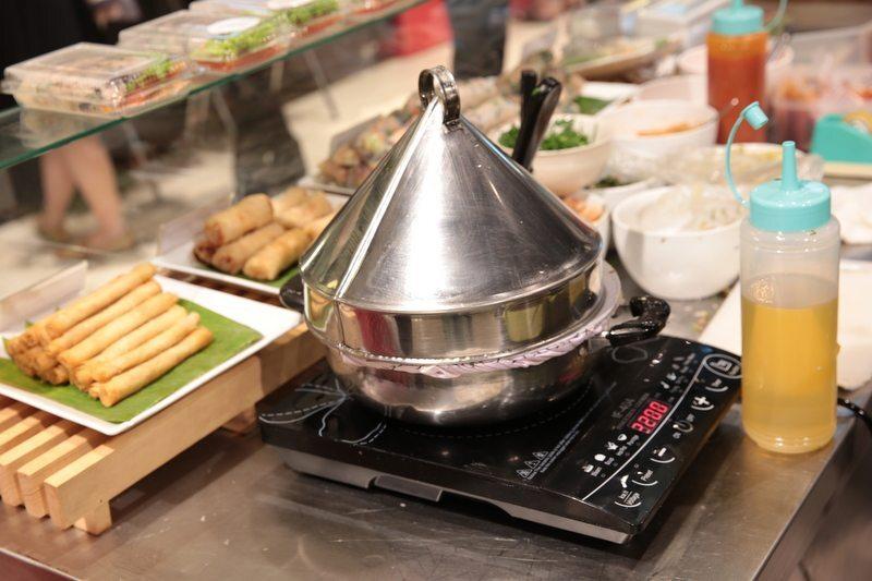 appareil pour fabriquer des bánh cuốn