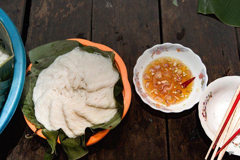 nouilles de riz juste préparées