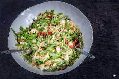 salade d'orzo, haricots et feta