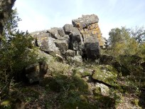 Rocher dit de l'aigle, de par son profil du versant opposé.