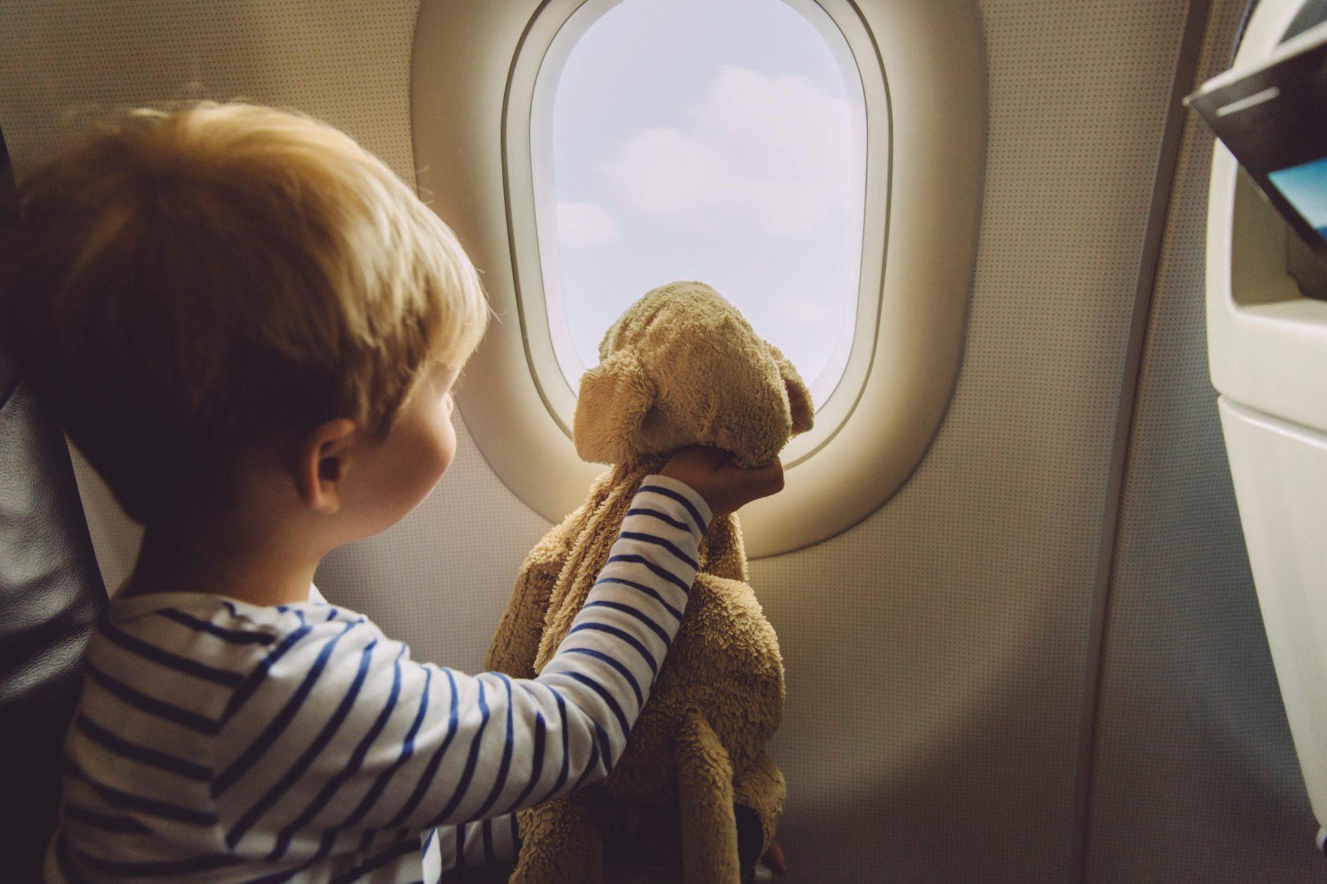 avion avec un bébé ou un enfant