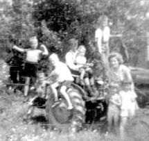 Pique-nique en famille au lac Shackleton. Moyen de transport : le tracteur !