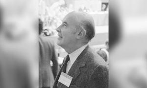 Biografía de Alfonso García Robles