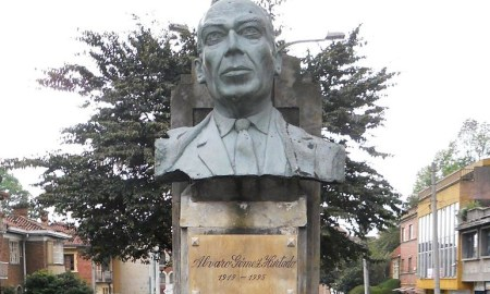 Biografía de Álvaro Gómez Hurtado