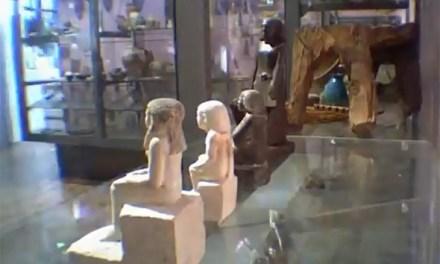 Neb Senu: la estatua egipcia del Museo de Manchester que gira sola