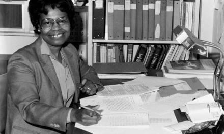 La mujer negra que ayudó a crear el GPS finalmente obtiene reconocimiento