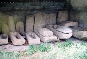 Laudas de orixe sueva atopadas na Igrexa de Medeiros