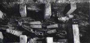 Imaxe dos sarcófagos atopados nas escavacións da igrexa de Iria Flavia nos anos 70 / apuntes.santanderlasalle.es